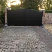 Cobham-Gates-black-RAL9005